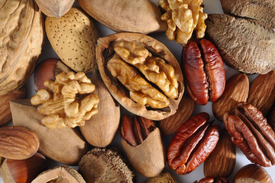 Top 4 Low Carb Nuts for Ketosis and Weight Loss